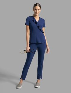 Modern Scrubs and Lab Coats for Men and Women by Jaanuu Scrubs Outfit, Scrubs Uniform, Casual Work Outfits, Work Casual, Scrub Suit Design, Dental Uniforms, Stylish Scrubs, Cute Scrubs, Black Scrubs