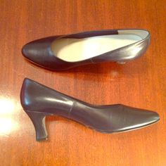 925 So Soft Navy Heels Size 7 narrow. Only worn once and in excellent condition. 925 So Soft  Shoes Heels