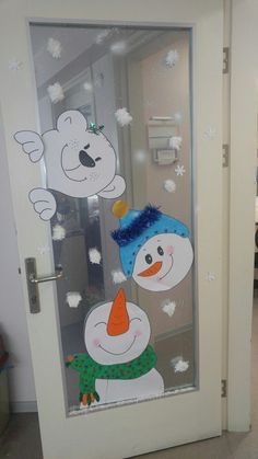 Crochet ideas that you'll love Christmas Classroom Door, Christmas Snowman, Kids Christmas, Classroom Decor, Christmas Ornaments, Christmas 2019, Christmas Door Decorating Contest, Christmas Window Decorations, Christmas Projects