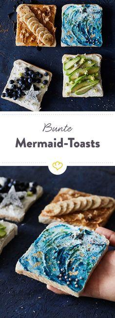 Die Mermaid-Toasts sind nicht nur schön anzusehen, sie schmecken auch noch richtig gut. Frischkäse, Beeren, Avocado - alles, was das Foodie-Herz begehrt!