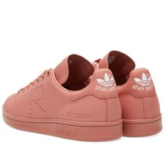 Spring/Summer 2016 sees yet another round up of adidas models, reimagined with high-fashion aesthetics. First debuting in 1971 as a tennis all-star sneaker, the Stan Smith has defined itself as today's streetwear legend - now reimagined with the Raf Simons luxurious stamp. The ash pink, premium leather uppers substitute the perforated three-stripe detailing with the iconic 'R', finished with embossed branding to the rear quarter and adidas branding to the heel.     Smooth Leather Uppers…