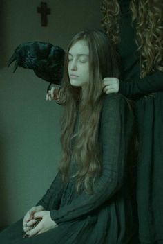 Laura Makabresku photography crows