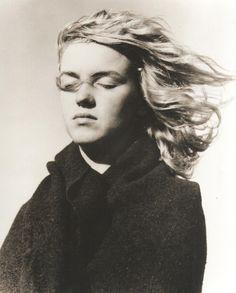 Marilyn Monroe photographed by Andre de Dienes, 1946.