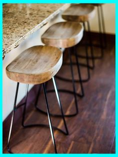 Wood and iron bar stools rustic stools kitchens step inside the rustic home o Diy Bar Stools, Rustic Bar Stools, Diy Stool, Bar Stool Chairs, Kitchen Stools, Bar Kitchen, Design Kitchen, Room Chairs, Swivel Chair