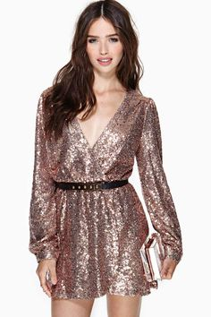 $78 Pink 70s sequin v neck dress  | New Years Eve Look | NYE | Outfit Inspiration | #SideSmileShops