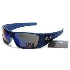 Oakley Given Sunglasses - Breast Cancer Awareness Edition - Womens! Baby Daddy just ordered me these! Summer Sunglasses, Cool Sunglasses, Sunglasses Outlet, Sports Sunglasses, Sunglasses Online, Ray Ban Sunglasses, Oakley Batwolf, Holbrook Sunglasses
