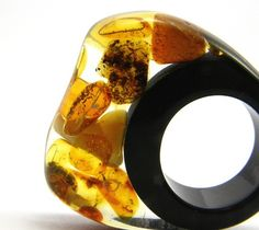 Amber Resin Ring by Sisicata