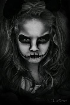Kid Halloween skull makeup - I need to borrow my niece and nephew for this.  by proteamundi. Amy Granberg 644602ab2214c