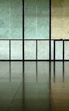 Neustadt Gallery, Berlin. Mies Van der Rohe Fotografia de TORRESBALDASANO