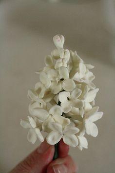 Tutorial-- Spring Gumpaste Flowers for cake decorating.. $8.00, via Etsy.