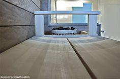 Muuttovalmiin omakotitalon rakennuttamisesta ja autotallin rakentamisesta kertova blogi jossa käsitellään myös sisustamista ja lapsiperheen arkea. Corner Bathtub, Bathroom, Home, Washroom, Full Bath, Ad Home, Homes, Bath, Bathrooms