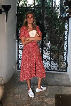 9 Outfit Ideas for Your Next Trip to Miami : Miami outfits midi dress sneakers There are few places we love as much as Miami when it comes to style. Channel these stylish Miami outfits this summer. Miami Outfits, Dress Outfits, Casual Dresses, Fashion Outfits, Womens Fashion, Casual Midi Dress, Maxi Dresses, Midi Dress Outfit, Sneakers Fashion