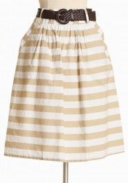 Great summer skirt! Would also transition well for spring & fall. Use Simplicity 2226.