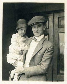 Newsboy cap with suit