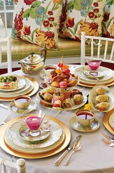 52 Ideas for party food table set up afternoon tea Coffee Time, Tea Time, English Afternoon Tea, Tea Places, Afternoon Tea Parties, Cream Tea, Beautiful Table Settings, Tea Sandwiches, My Tea