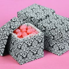 Damask Favor Boxes | #exclusivelyweddings | #blackandwhitewedding
