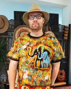 handmade batik t-shirt from Burkina Faso  (West Africa). Soon in our e-shop.