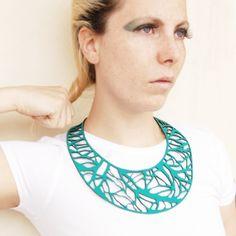 Arbo green   Contemporary Necklaces / Pendants by contemporary jewellery designer Jelka Quintelier
