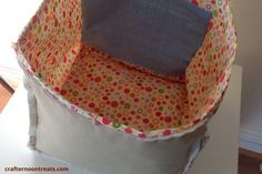 I'll start this post again saying that I have only basic sewing skills. When I made the box lining for my first stash bag, I found it very difficult to make it an even box. This time I've devised my own method and I'll show you how I did it. If I can sew this, […]