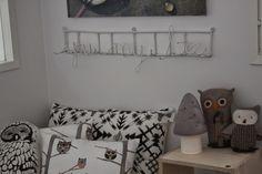Ihannaa: Kids room in grays and black