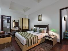 Check out the list of top guest house in Gurgaon @http://bit.ly/1MgzZG0