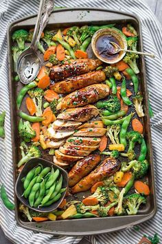 Sheet Pan Teriyaki Chicken with Vegetables is a delicious dinner under the wo . - Sheet Pan Teriyaki Chicken with Vegetables is a delicious weekday dinner in a pan. Healthy Vegetables, Chicken And Vegetables, Veggies, Recipes With Vegetables, Fresh Vegetables, Clean Eating, Healthy Eating, Cooking Recipes, Healthy Recipes