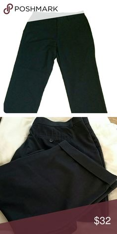 Men Bass Dress pants Man's best dress pants size 36?32 the flag regular fit. 66% polyester 34%Rayon no sign of where they no stain no snacks have pockets on the side Pants Dress