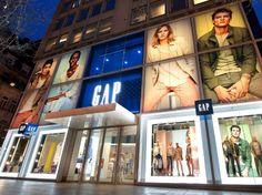 Gap London Flagship Spring 2014 by Window Display Design, Window Displays, Gap Shop, Retail Stories, Digital Retail, Shop Facade, Visual Merchandising Displays, Luxury Store, Cabinets