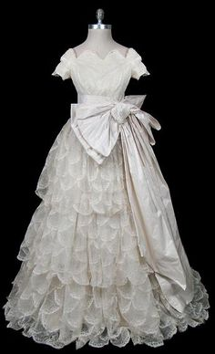 Wedding Dress    Pierre Balmain, 1955    The Frock