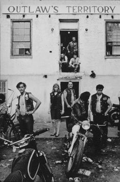 """megadeluxe: """" Cool riders: on the road with outlaw biker gangs in the – in pictures """"Way before there was Easy Rider, a young photographer called Danny Lyon went on the road with motorcycle gangs. Biker Clubs, Motorcycle Clubs, Motorcycle Baby, Lower Manhattan, Lyon, Outlaws Mc, Rock And Roll, Outlaws Motorcycle Club, Danny"""
