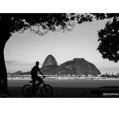 STREETPHOTO_BRASIL   @photothais  Data: 03 de Maio 2016 Seleção: @anthony_carlos09  Parabéns  Marque você também para fotografias de rua #StreetPhoto_Brasil e apareça por aqui!   @StreetPhoto_Brasil #streetphotography #streetview #chiquesnourtemo #igersbrasil #galeriamink #saopaulowalk #instastreet #igers #instagrambrasil  #achadosdasemana #fotografiaderua #urban #instastreet #saopaulocity #supermegamasterpics #vscostreet #visualbrasil #ig_saopaulo_ #vscocam  #icu_brazil #parededevidro…