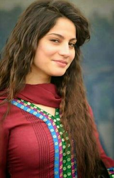 Neelam Muneer (born: March 20, 1992, Karachi, Pakistan) is a Pakistani actress and model. She appears on Hum TV, Geo TV and ARY Digital drama serials.