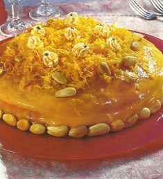 Bolo de Amêndoa com Fios de Ovos - http://www.receitassimples.pt/bolo-de-amendoa-com-fios-de-ovos/