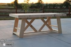 How to build a outdoor bar tableHow to build an outdoor bar table with This DIY outdoor table can also be used as an outdoor work table. Wood Patio Furniture, Rustic Outdoor Furniture, Diy Outdoor Table, Diy Table, Outdoor Dining, Outdoor Decor, Furniture Ideas, Furniture Design, Furniture Layout