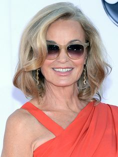 Emmys 2012: Jessica Lange http://beautyeditor.ca/gallery/emmys-2012-red-carpet-beauty/jessica-lange/
