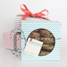 it's always autumn - itsalwaysautumn - easy DIY folded paper cookie & treat gift boxtutorial