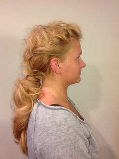 Low ponytail with sewing