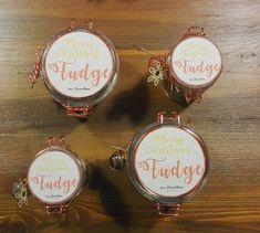 barattoli natalizi regali fatti a mano, fudge hand made for christmas Fudge, Merry, Drop Earrings, Christmas Ornaments, Holiday Decor, Blog, Christmas Jewelry, Drop Earring, Blogging