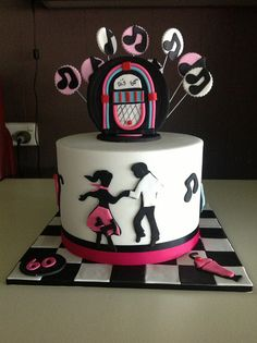 Rock and roll cake for di's Modeled on a design by sugar siren Music Themed Cakes, Music Cakes, Elvis Cakes, Bolo Fack, Rock And Roll Birthday, Dance Cakes, 50th Cake, 60th Birthday Cakes, Rolling Fondant