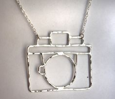 Old Fashioned Camera Necklace by Rachel Pfeffer... looks like sauntering material
