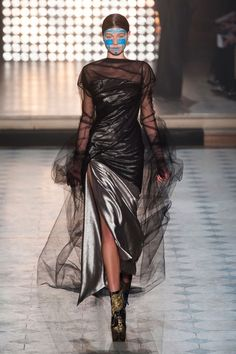 Andreas Kronthaler for Vivienne Westwood Fall 2014 Ready-to-Wear Collection Photos - Vogue Fashion Week, Paris Fashion, Runway Fashion, Fashion Show, Fashion Design, Fashion Brand, Women's Fashion, Vivienne Westwood, Catwalk Makeup