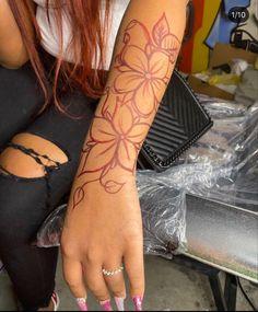 Arm Tattoos Black, Girl Neck Tattoos, Black Girls With Tattoos, Red Ink Tattoos, Girly Tattoos, Sleeve Tattoos For Women, Pretty Tattoos, Black Girl Tattoo, Classy Tattoos