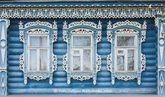 Бело-голубые наличники из Коврова Владимирской области
