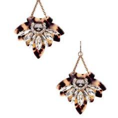 Tortoise shell dangle earrings NWT. Lightweight, super cute. Price firm, unless bundled T&J Designs Jewelry Earrings