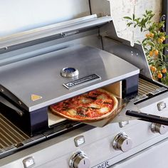 Bakerstone Pizza Oven with Accessory Pack Wood Pizza, Wood Fired Pizza, Kitchen Colors, Kitchen Design, Kitchen Decor, Home Pizza Oven, Grill Accessories, Roasted Meat, Home