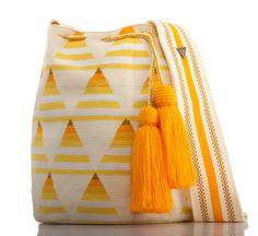 SUSU Birch Crossbody Mochila - Pat Tutorial and Ideas Tapestry Crochet Patterns, Crochet Dolls Free Patterns, Crochet Motif, Free Crochet, Knit Crochet, Mochila Crochet, Tapestry Bag, Knitted Bags, Crochet Accessories