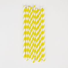 Party Kitsch yellow striped straws
