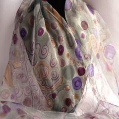 """Etole écharpe foulard en  mousseline de soie peint main gris et mauve  """"dolce vita """""""