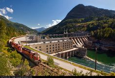 RailPictures.Net Photo: CP 5736 Canadian Pacific Railway EMD SD40-2 at Castlegar, British Columbia, Canada by Matthew Hicks