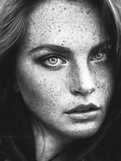 Foto Portrait, Female Portrait, Portrait Photography, Editorial Photography, Woman Portrait, Nature Photography, Fashion Photography, Beautiful Freckles, Beautiful Eyes